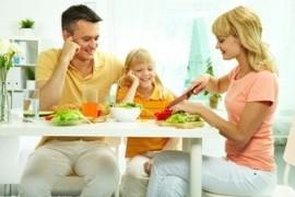 vegan, kind, eisenhaltige lebensmittel, vegetarier, ernähren eisen